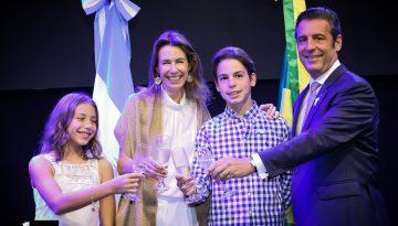 O Embaixador da Argentina, Carlos Alfredo Magariños e sua família