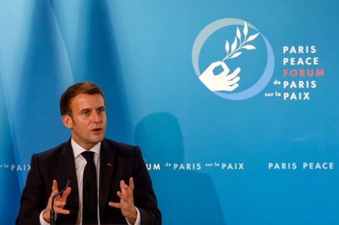 Macron14
