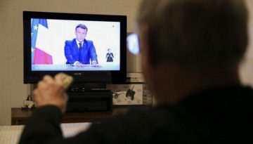 Macron9