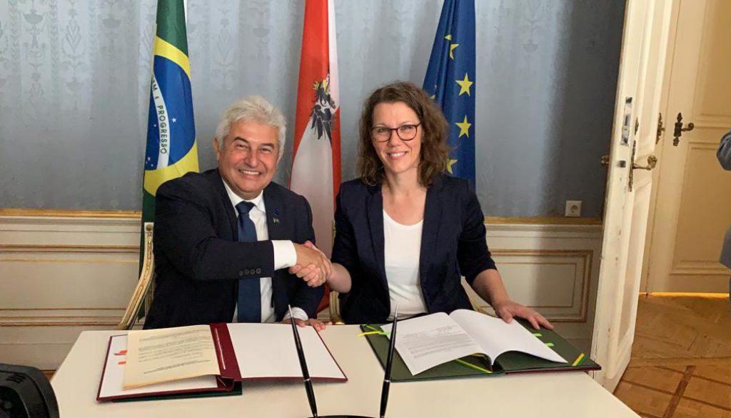 thumbnail_Acordo Brasil Áustria(1)